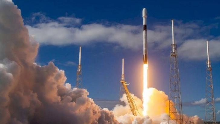 SpaceX uzaya 60 uydu daha gönderdi